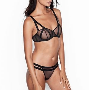 Victoria's Secret Very Sexy Balconette Bra SZ 32DD